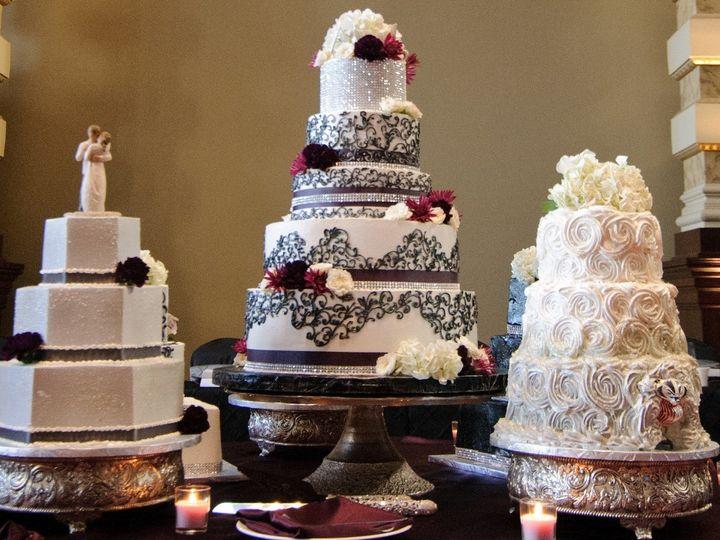 Tmx 1415975909236 0620leahadam Crop Milwaukee, Wisconsin wedding cake