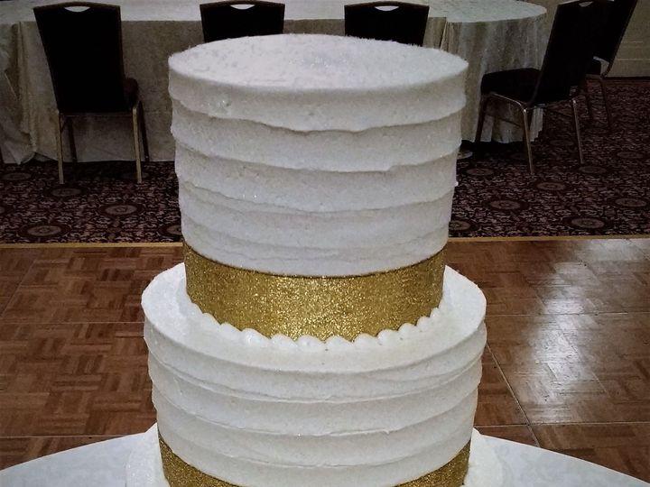 Tmx 1516847825 1b1356f67b767009 1516847820 86193c7414976c4a 1516847879402 2 IMG 20161022 13315 Milwaukee, Wisconsin wedding cake