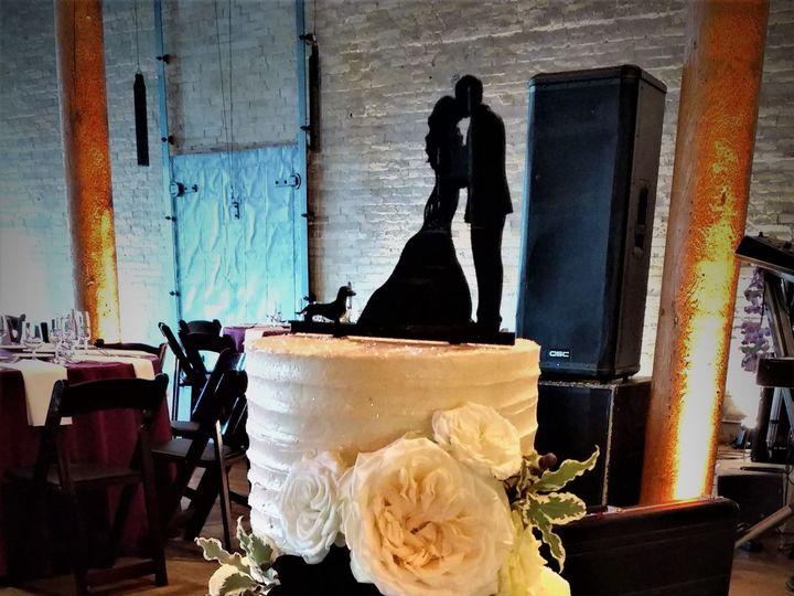 Tmx 1516847837 72dfd9378d41a4db 1516847834 0296ca5c828b2079 1516847893105 4 IMG 20161105 16372 Milwaukee, Wisconsin wedding cake