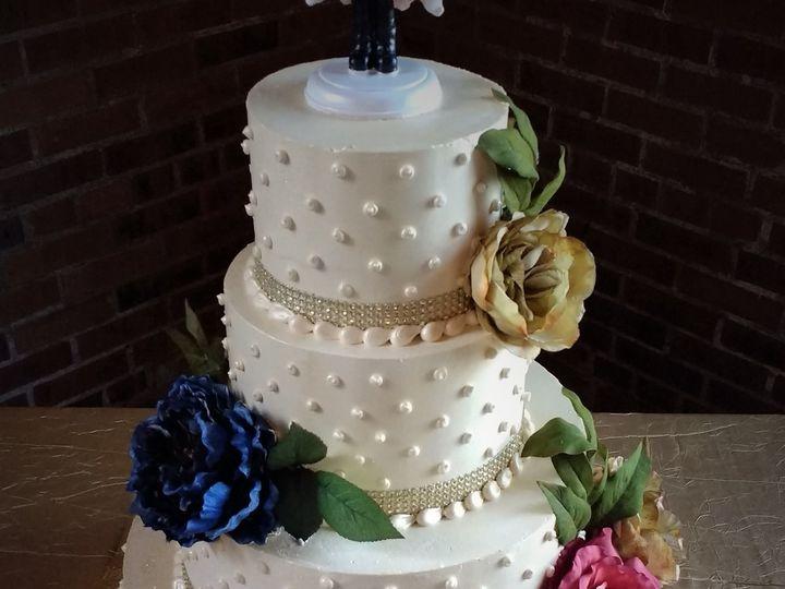 Tmx 1516847852 4e4c414c0a572c67 1516847849 B968aa05619864d8 1516847907979 6 IMG 20161112 16101 Milwaukee, Wisconsin wedding cake