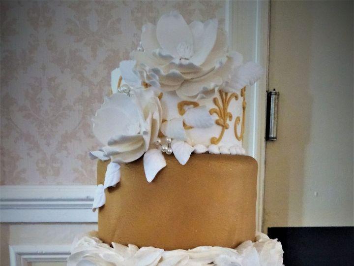 Tmx 1516847868 1cc15afa426d734a 1516847866 018e418f608f11d8 1516847923994 8 IMG 20161231 14350 Milwaukee, Wisconsin wedding cake