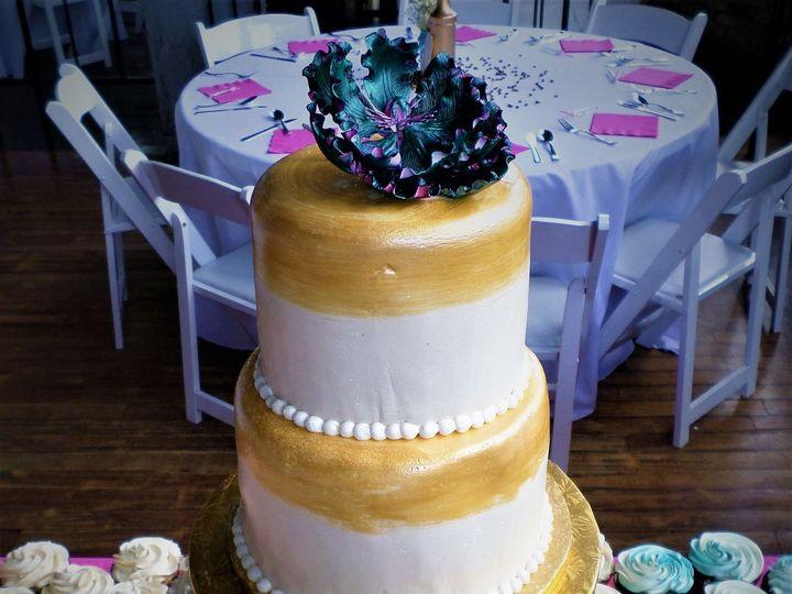 Tmx 1516848074 Cd5820051bc87ce7 1516848071 C3779af089a2e985 1516848129291 22 SAM 0874 Milwaukee, Wisconsin wedding cake