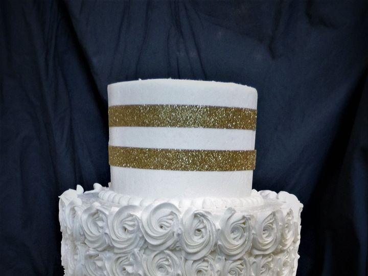 Tmx 1516848157 6c2718125dcaf891 1516848155 Bad21da434f4df46 1516848214910 30 WEDDINGCAKE 58 10 Milwaukee, Wisconsin wedding cake