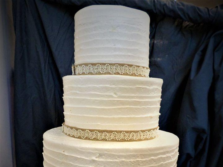 Tmx 1516848200 A719423ebc619d40 1516848197 B6eb33123ed9843b 1516848255923 32 WEDDINGCAKE 61 17 Milwaukee, Wisconsin wedding cake