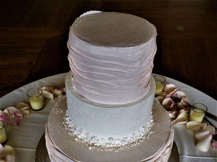 Tmx 1516889193 Dd8b0db0c7906be1 1516889190 49aba15f1df3bedd 1516889250892 3 SAM 0009 2 Milwaukee, Wisconsin wedding cake