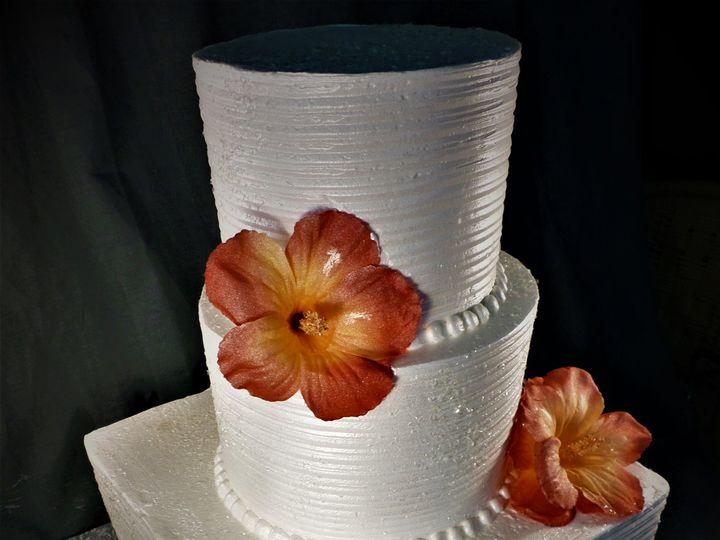 Tmx 1516889203 F7d8392035988fb5 1516889200 1d39ba57d8a19931 1516889260254 4 SAM 0145 Milwaukee, Wisconsin wedding cake