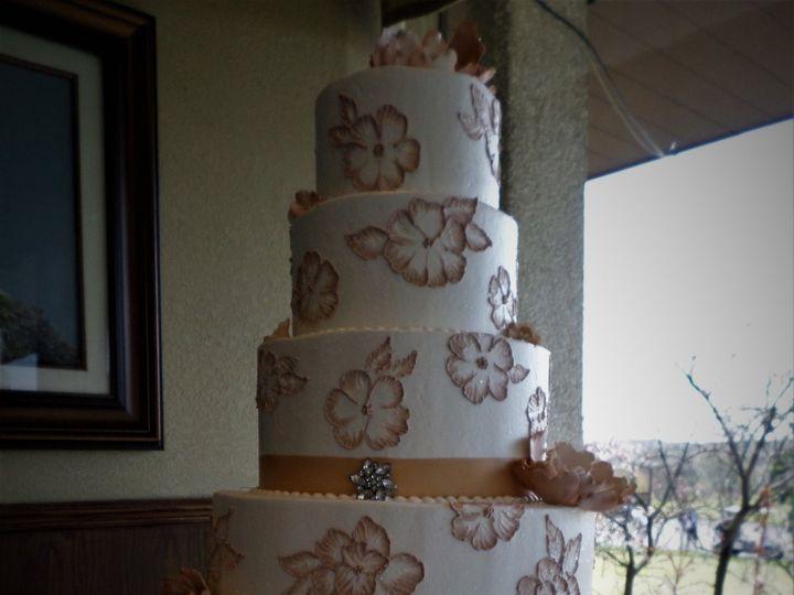 Tmx 1516889226 3ab09c61bb5c12bc 1516889223 57a35cf495b7bb64 1516889283460 6 WEDDINGCAKE  16 25 Milwaukee, Wisconsin wedding cake
