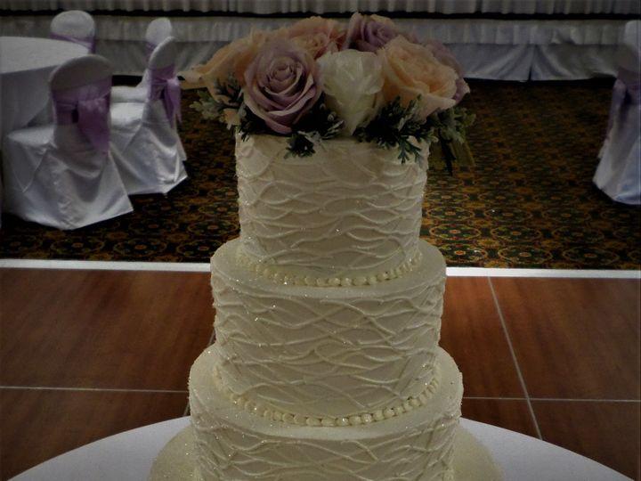 Tmx 1516889266 13fb01eee3ca8f28 1516889262 810692f8b9d38f4e 1516889323181 9 Weddingcake 59 250 Milwaukee, Wisconsin wedding cake