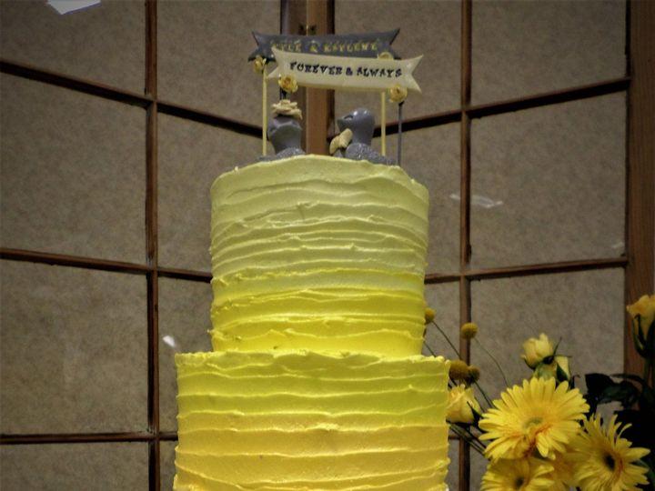 Tmx 1516889315 06f4b016aecd500d 1516889311 5151e66d3c283260 1516889370085 12 Weddingcake 164 1 Milwaukee, Wisconsin wedding cake