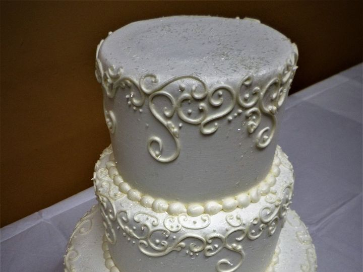 Tmx 1516889342 056cdad8f74482f2 1516889339 684263cd3ca07ba3 1516889397634 15 Weddingcake 232 1 Milwaukee, Wisconsin wedding cake