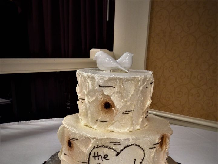 Tmx 1516889351 95aa2e34005a559d 1516889349 21efca78db81750c 1516889409572 16 Weddingcake 243 5 Milwaukee, Wisconsin wedding cake