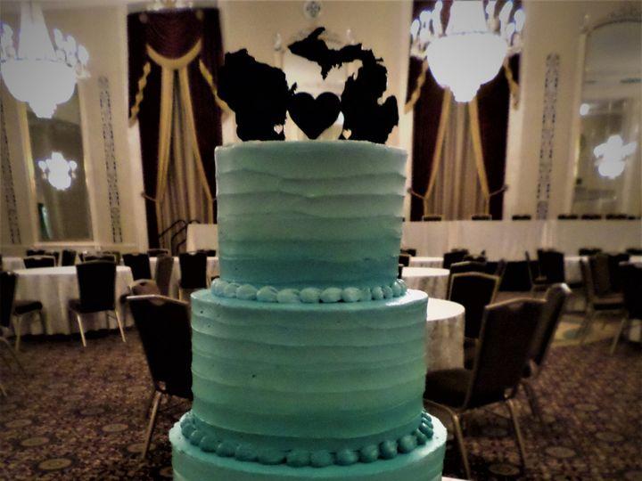 Tmx 1516889424 16c85fa31fd6c9c0 1516889422 Eb3ef71ce370975c 1516889481772 23 SAM 1589 Milwaukee, Wisconsin wedding cake