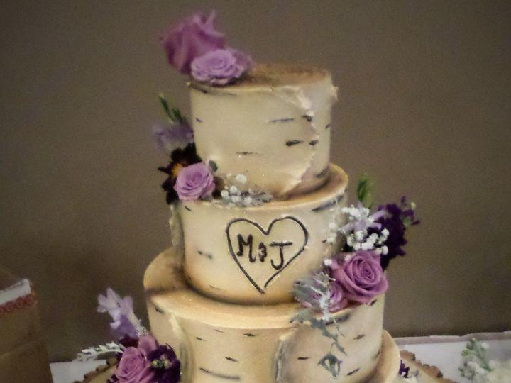 Tmx 1516889443 35d4b175c2681a0e 1516889441 D02808ceafc842ab 1516889501384 24 SAM 9062 Milwaukee, Wisconsin wedding cake