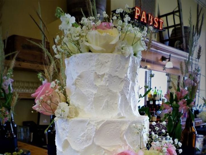 Tmx 1519223590 D9b7f4cbed398c0f Aggies Bakery Milwaukee, Wisconsin wedding cake