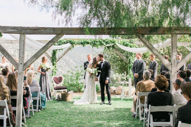 San Diego, Ca     Photo: Elate     Cake: Shanti's Cakery      Venue: Secluded Garden Estate...