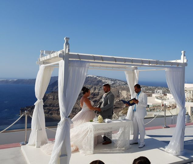Santorini romantic ceremony