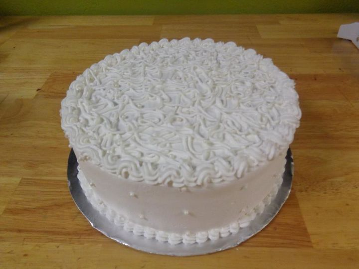 Piped flower cake