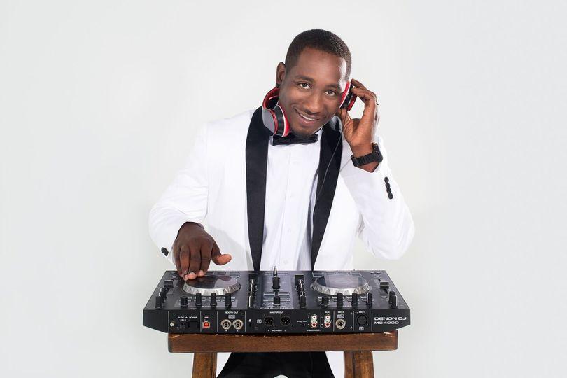 DJ - G&L