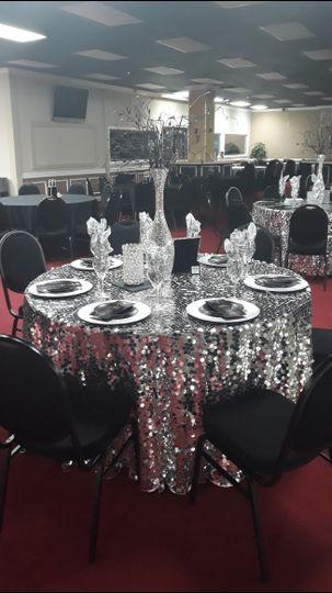 Gltitering reception tables
