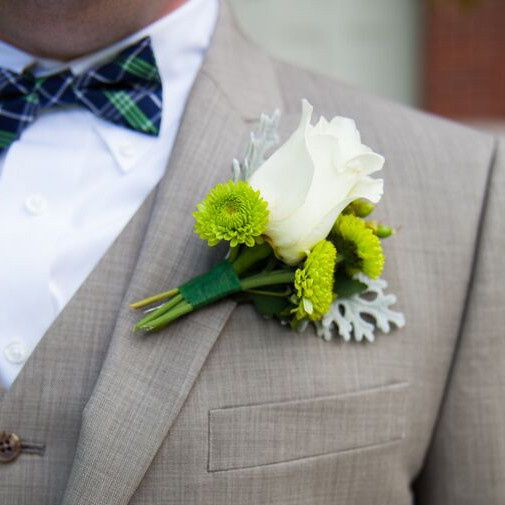 We also created these groom and groomsmens' boutonnieres.