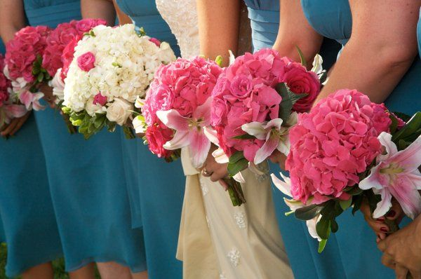Matching pink bouquets