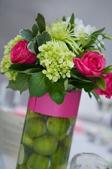 Green and pink centerpiece