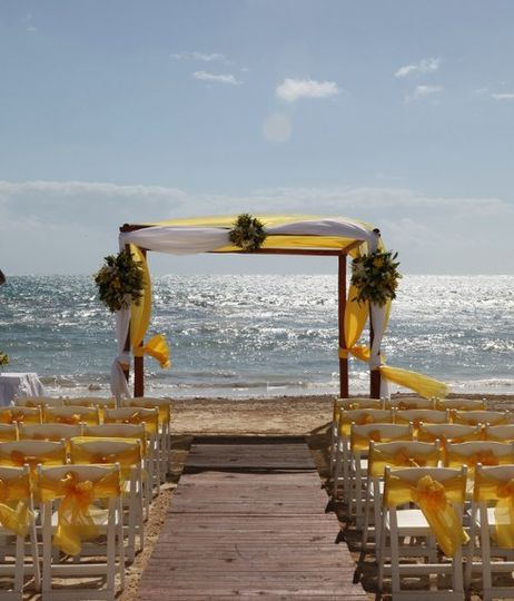 Beautiful beach wedding!