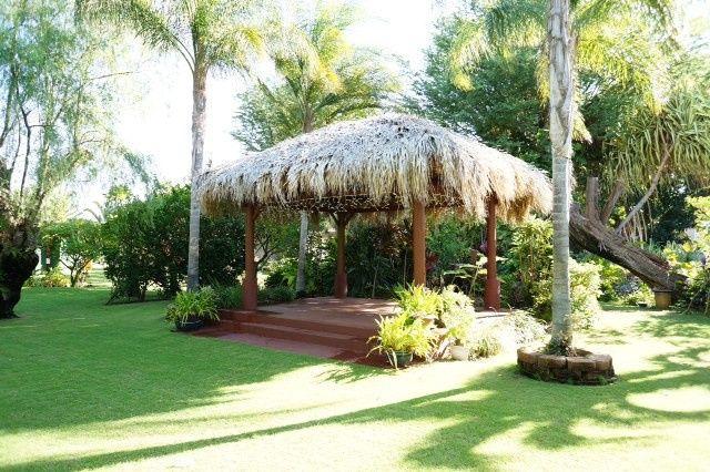 Nona Lani Cottages landscape
