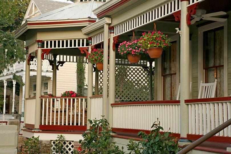 Cedar House Inn B&B