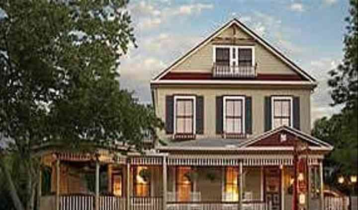 Cedar House Inn Victorian Bed & Breakfast