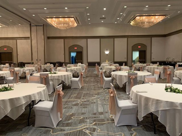 TN Ballroom - linens and chair