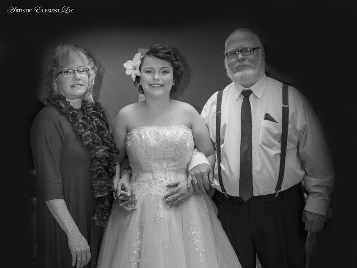 Tmx 1519619476 A19f21dfaf0e1147 1519619473 53f5e17c1ff65529 1519619460850 5 20171209 0091 Ionia, MO wedding photography