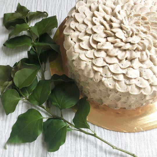 Vanilla Chai Custom Cake