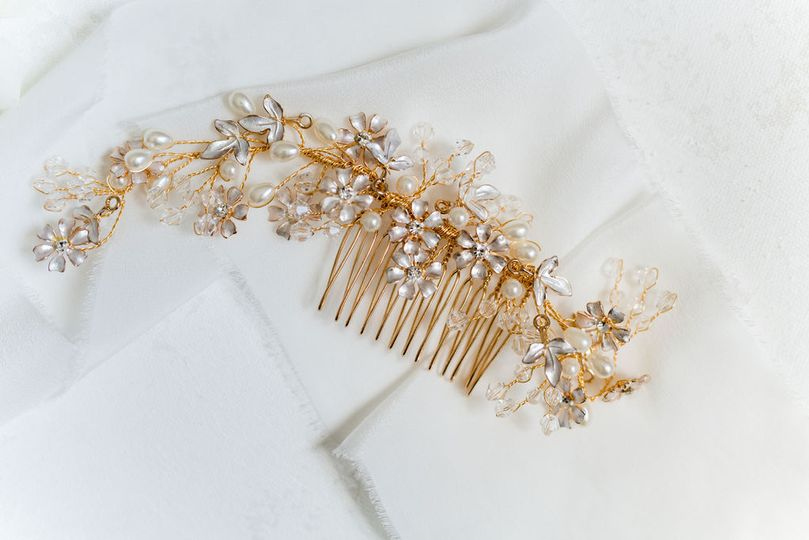 Lovely accessory - Annie Laura Photography