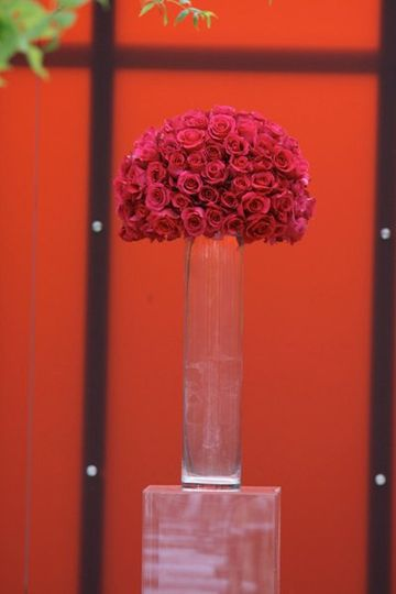Modern ceremony flowers in Fuchsia, Lifemosaics Photography