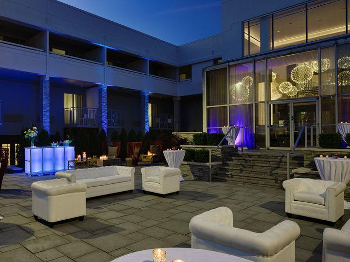 Tmx Dtwbh Courtyard Cocktailhoursetup 51 206413 160043881673301 Bloomfield Hills, MI wedding venue