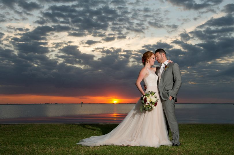 tampa wedding photographers at sunset