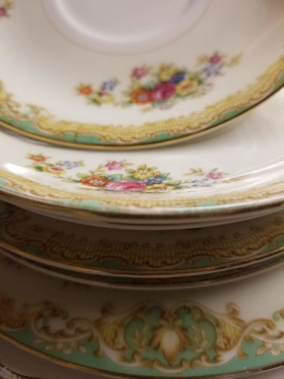 Mismatched vintage china collection (2,000+ pieces) .75¢ - $1.50