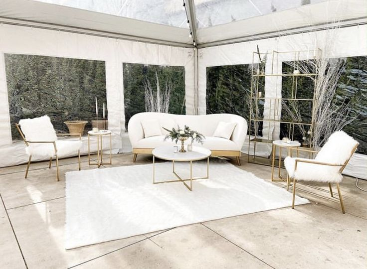 Light and bright lounge!