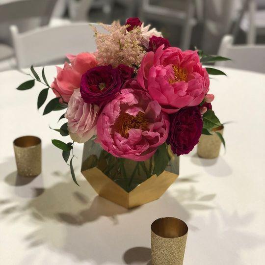Decadent gold geometric vase