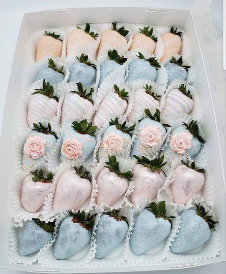 Custom chocolate strawberries