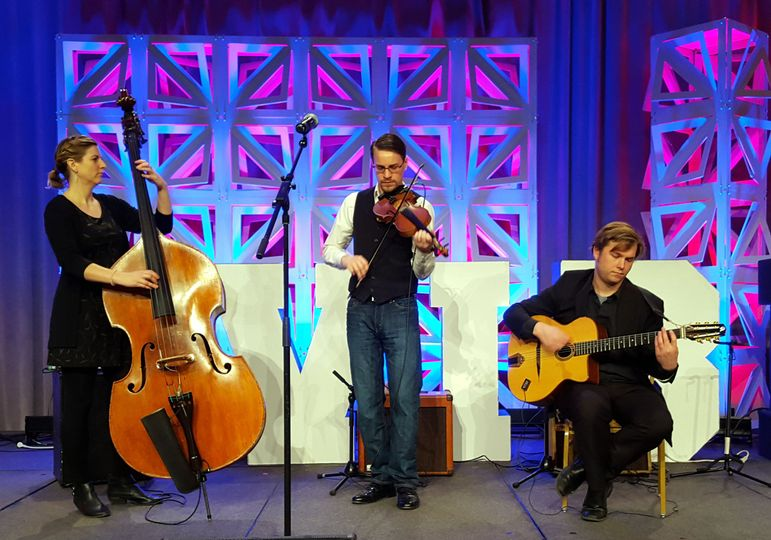 From the Gypsy Swing music of Paris to good ol' Texas Style fiddling to Ragtime, the music of Le Mer...