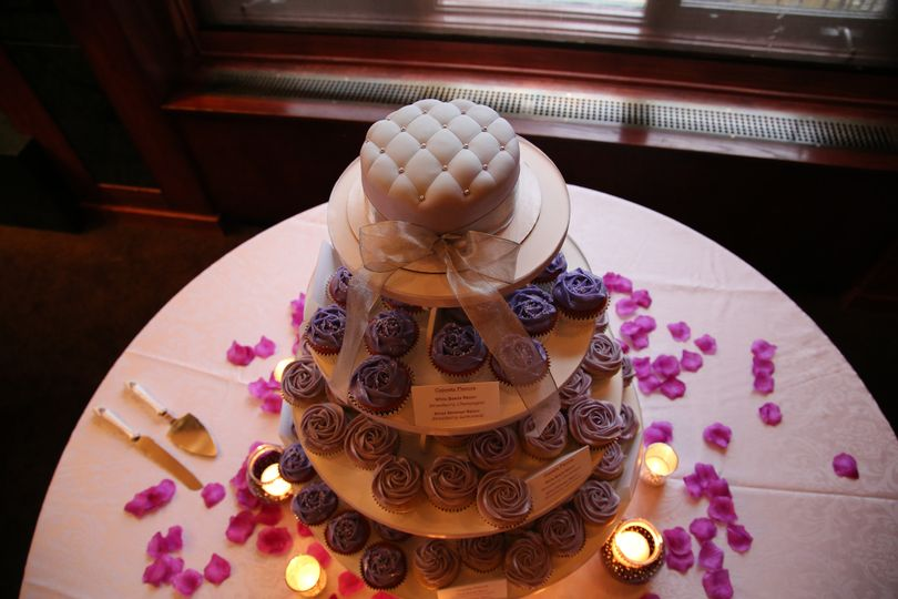 Multiople layered cake