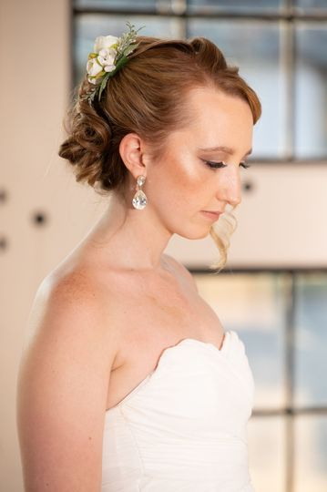 Makeup bride look