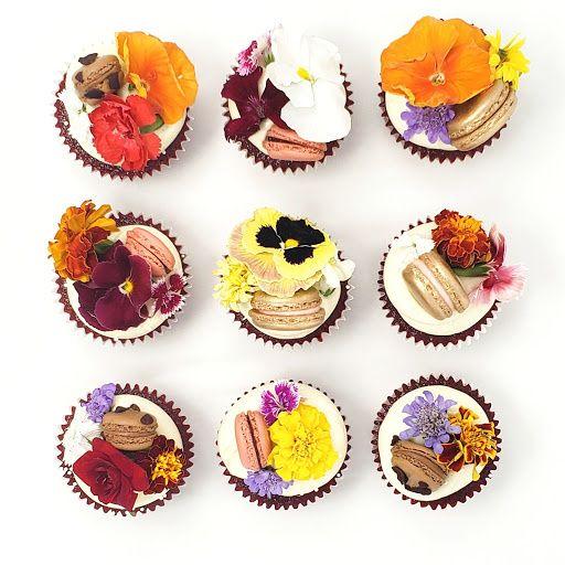 Macaron and Flower Cake