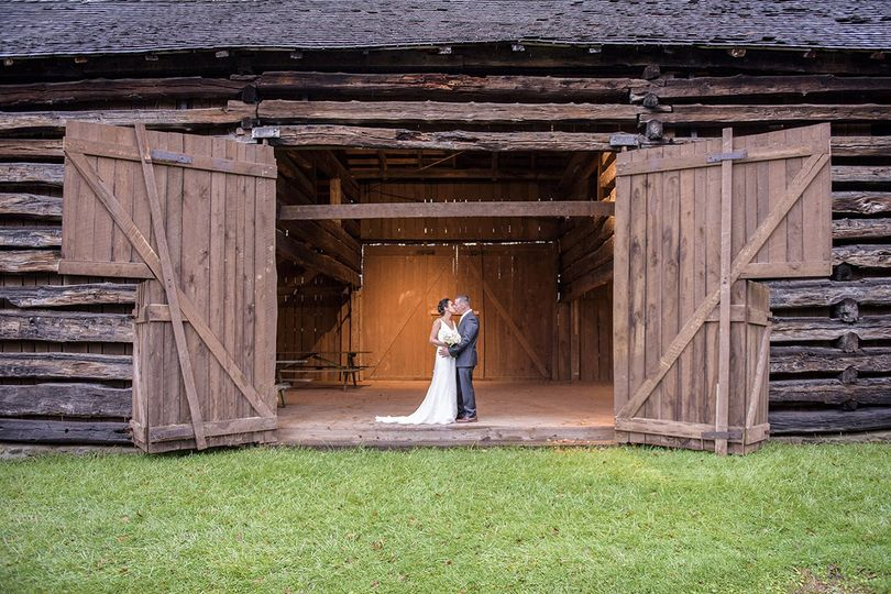 Couple embracing on Hale Farm