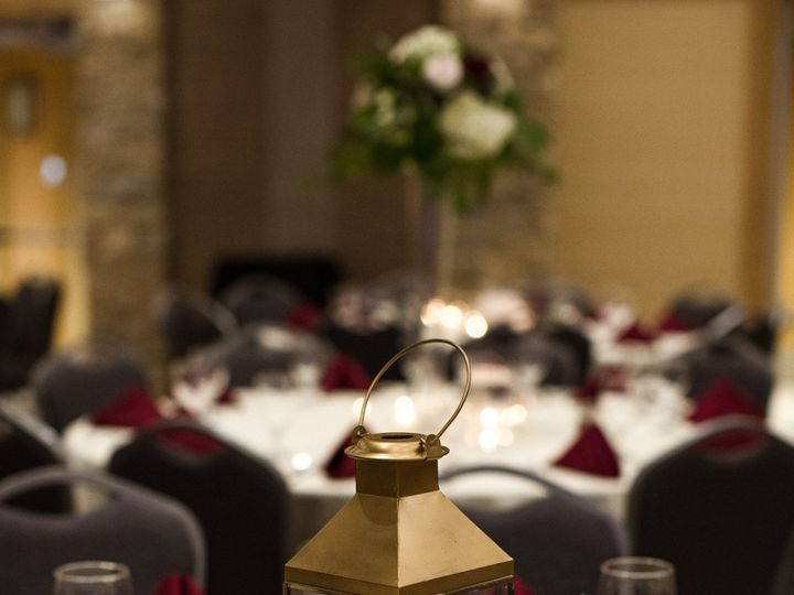 Tmx Loganrees11 2 18 757 51 1194613 158454926058246 Sioux Center, IA wedding florist