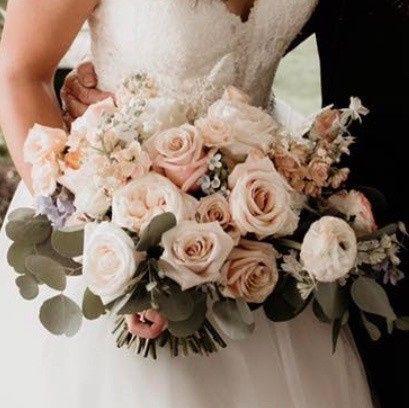Tmx Img 9200 51 1045613 158820568238570 Saint Paul, MN wedding florist