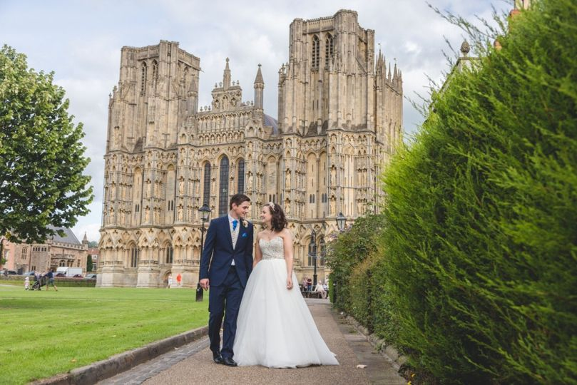 Cathedral and a couple - Jodie Hurd Photography