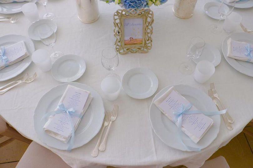 Elegant white table layout
